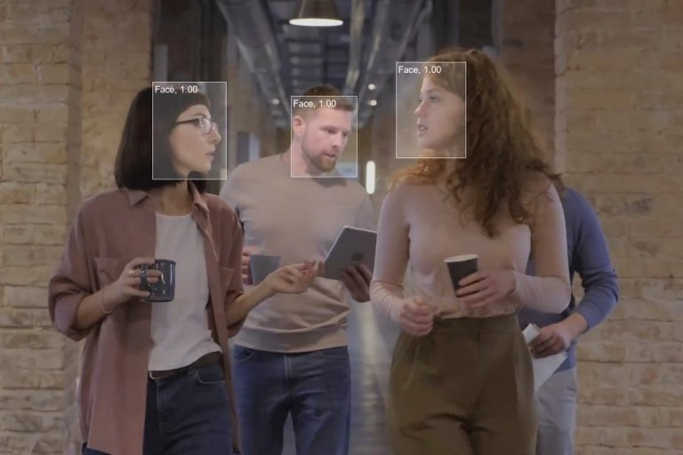Example of face detection with deep learning